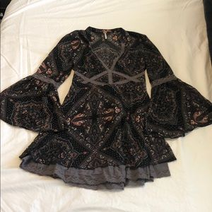 Free People bell sleeve dress size 0